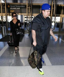 PREMIUM EXCL Kris Jenner and Rob Kardashian still very overweight leaving for Paris